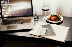 glass-iphone-laptop-luxury-Favim.com-1997501